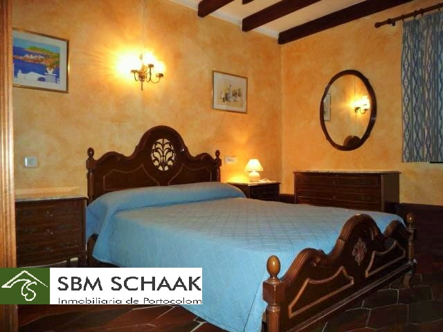 Finca Portocolom Holiday bedroom2 1060