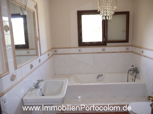 Finca Portocolom bathroom2 29313