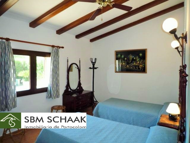 Finca Portocolom Holiday bedroom3 1060